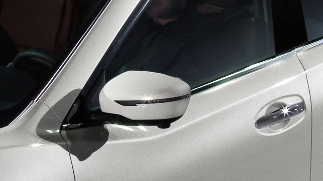 nissan-rogue-power-heated-mirrors