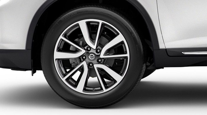 nissan-rogue-exterior-19-inch-aluminum-alloy-wheels