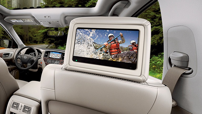 nissan-pathfinder-tri-zone-entertainment-system-small