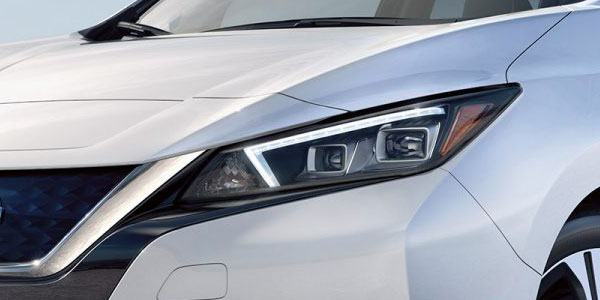 nissan-leaf-exterior-headlights
